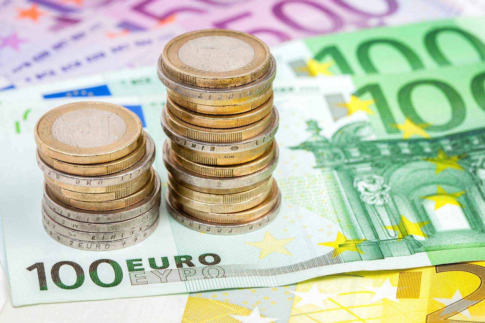 Euromnzen und Geldscheine